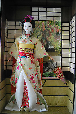 Maiko Barbie Doll, More World Culture Dolls Collection J0982, 2005 Nrfb, Bad Box