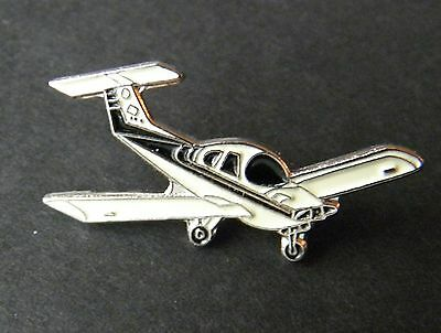 Beechcraft Skipper Plane Aircraft Lapel Pin Badge 3/4 Inch
