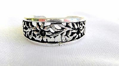 Sterling Silver (925) Adjustable  Scrolled  Flower  Toe Ring  !!       New !!