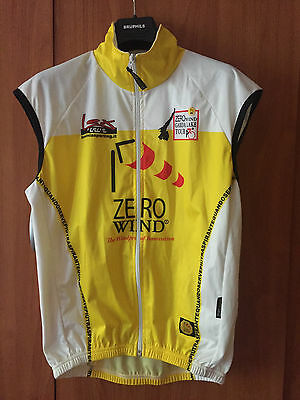 lessinia sporting zero wind cycling vest size M used
