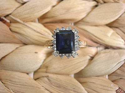 OUTSTANDING VINTAGE 9ct YELLOW GOLD RING LARGE BAGUETTE CUT SAPPHIRE 11.5 (X)