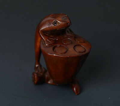 Chinese Handmade Carved Frog Shape Full Relief Boxwood Talisman Pendant-JR10910