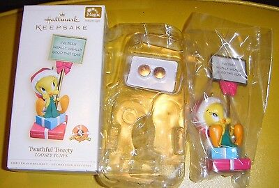 2006 TWUTHFUL TWEETY ORNAMENT Hallmark Looney Tunes Magic Light Mint in Box