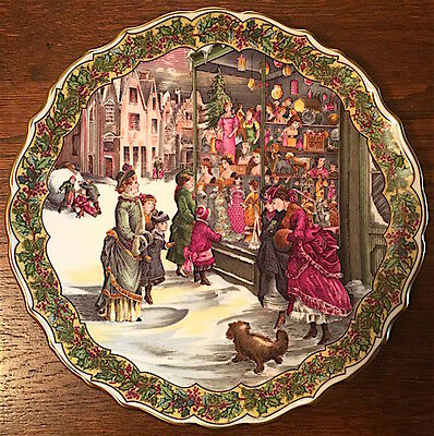 """SPODE, The Victorian Christmas Series Plate No. 4 """"Christmas Shopping"""" Beautiful"""
