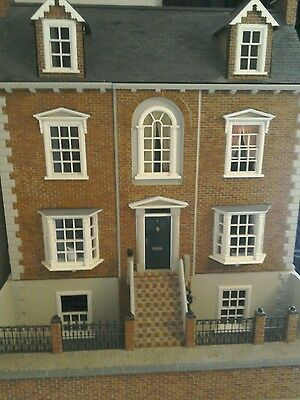 Stunning Dolls House Decorated and Lit Collectors Miniature 12th scale.