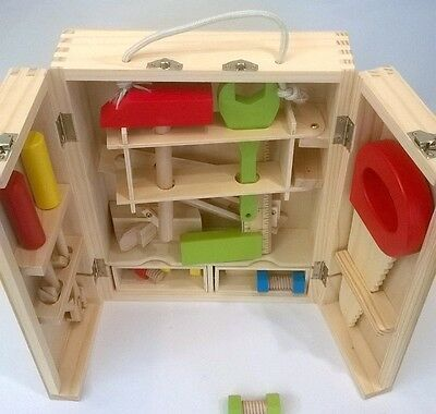 Wooden Toy 20pce Carpenter's Tool Kit in Wooden Case & handle