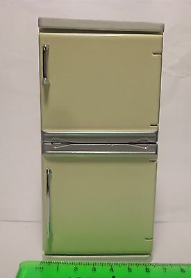 1:12 Scale White Painted Wooden Fridge Freezer Dolls House Miniature Kitchen