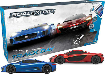 C1358 Scalextric ARC AIR Track Day Slot Car Set Use with Phone/ Tablet New Gift