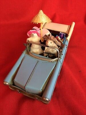 *Thelma and Louise Taxidermy Mice Display-mouse-car-road trip-movie-playgirl