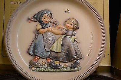 Hummel Goebel Anniversary Plate in Bas-Relief Second Edition 1980 Spring Dance
