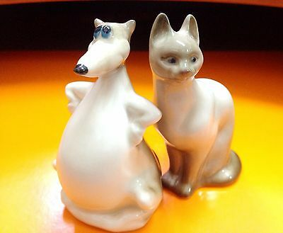 Siamese cat and rat Porcelain figurine Souvenirs from Russia miniature