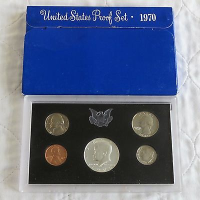 USA 1970 s 5 COIN PROOF YEAR SET WITH SILVER HALF DOLLAR  - sealed/outer