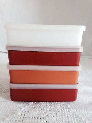 Set of 4 Tupperware Square Away Sandwich Keepers #670 with Clear Seals #671 EUC