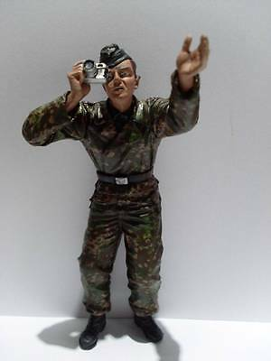 Plastic 1:16 Scale German Tank Crew with Camera Figure Suitable for Heng Long