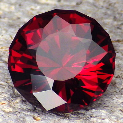 PYRALSPITE GARNET-E.AFRICA 10.09Ct VS2-LARGE-AMAZING MAGENTA RED COLOR-RARE TYPE