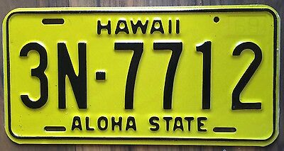 1969 Yellow Authentic Retro Hawaii Passenger Mint Unused License Plate 3N-7712