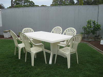Outdoor Garden Setting Table and 6 Chairs
