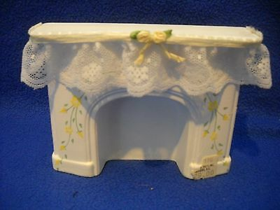 Dollhouse miniature: white fireplace w/lace by Pitty Pat, 1:12 scale, PP176