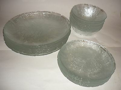 Set of 24, 8 Arcoroc Canterbury Crocus Clear Glass Dinner & Salad Plates & Bowls