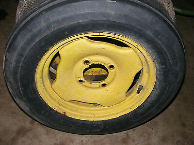 John Deere 24t square baler ~~~ right side tire and rim