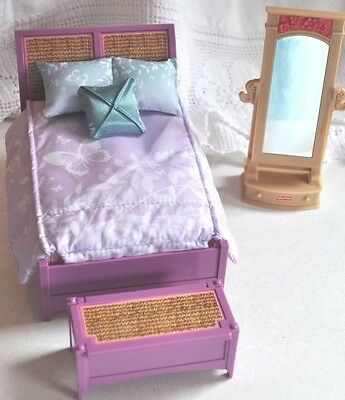 2011 Fisher Price Doll House Bedroom Set