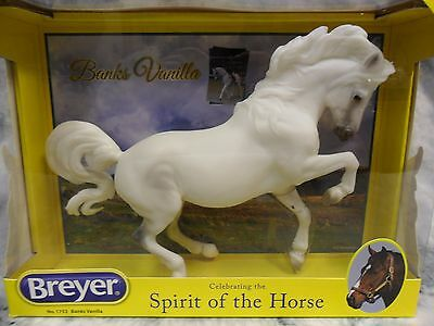 Breyer NIB * Banks Vanilla * 1753 Connemara Croi Damsha Traditional Model Horse