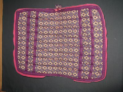 Lace bobbin holder (pink), zipped with 32 compartments