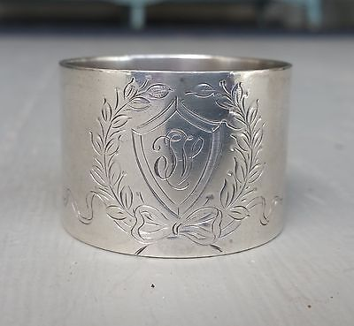 Exceptional Sterling Silver Napkin Ring by Lunt with Wreath and Shield 38 grams