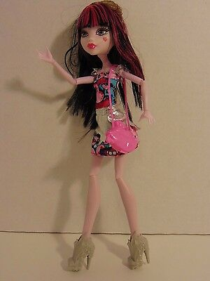 Monster High Boo York Boo York Frightseers Draculaura Doll W/ Accessories