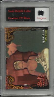 Sara Michelle Gellar 1999 Inworks Buffy Genuine TV Worn Lingerie Trading Card