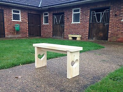 Hand Made Rustic Bench. Shabby Chic Heart Design ��