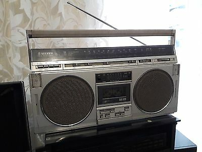 Boombox Ghettoblaster Silver ST777L / worldwide shipping