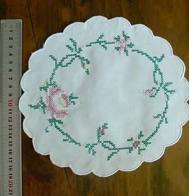 Cross Stitch Embroidered Flowers & Stems IVORY Linen Doily Oval Approx 20.5x19cm