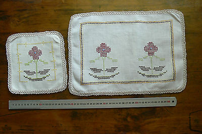 Cross Stitch Hand Embroided IVORY Linen Centre 47x26cm, Doily19sq Crochet Edge