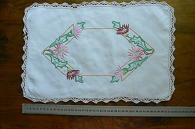 Vintage Hand Embroidered IVORY Linen Centre Rectangle & Crochet Edge 425x280mm