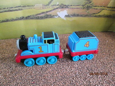 Die Cast Thomas & Friends - Tomas With #4 Coal Tender Good Used