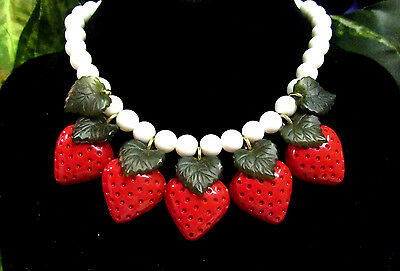 """Vintage """"Dangling Strawberries"""" White Beaded Necklace"""