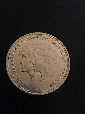 1981 H.R.H THE PRINCE OF WALES AND LADY DIANA SPENCER Silver Coin