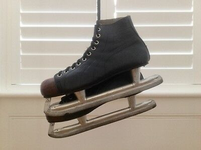 Vintage Leather Canadian Made Bauer Ice Skates Hockey Sports Memrobelia Size 11