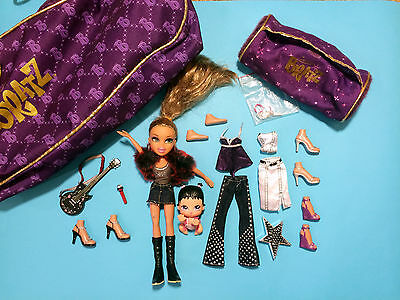 BRATZ BABYZ Doll Lot of 2 Dolls with many accessories and carrying BRATZ BAG