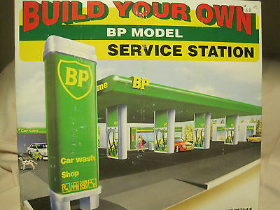 1995 BP Build Your Own Service Station Model MIB Gas Car Wash Authentic Replica