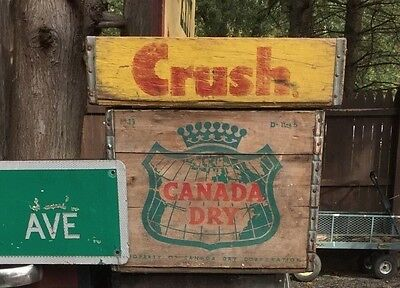 RARE Vintage CANADA DRY Wooden Advertising BOTTLE CASE  sign