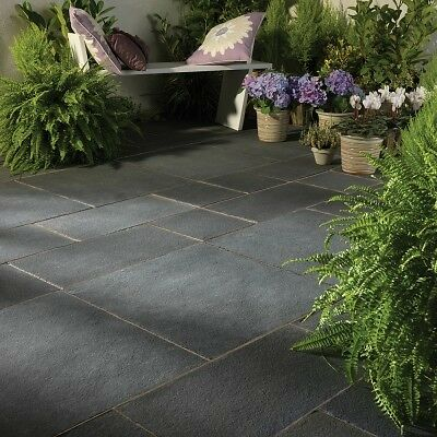 Bradstone, Natural Limestone Paving Blue-Black Patio Pack - 15.30 m2 Pack
