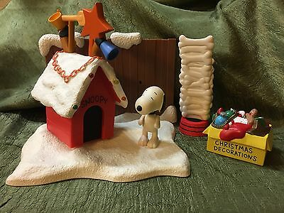 A Charlie Brown Christmas Snoopy's Contest Winning Display Plays Music & Lights