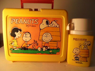 VINTAGE PEANUTS LUNCHBOX with Thermos Snoopy & Gang Lucy Linus Charlie Brown ++