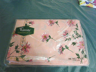 Wamsutta sheet 81X108 pink Lustercale in package-Package has Hole from sticker