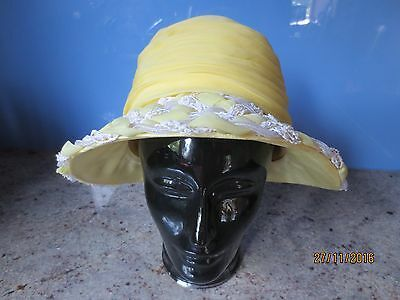 Vintage 60s yellow and white summer hat Ferncroft chiffon/straw