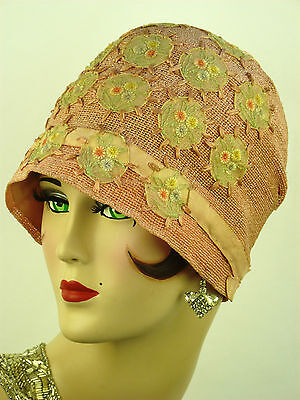 VINTAGE HAT ORIGINAL 1920s CLOCHE, POWDER PINK CROCHETED WITH CHIFFON APPLIQUES