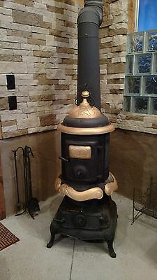 Ideal No.16 Pot Belly Parlor Wood Burning Stove