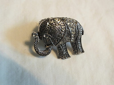 Beautiful Silver Tone Chunky Cocktail Ring Stretch Elephant Rhinestones 1 1/2""